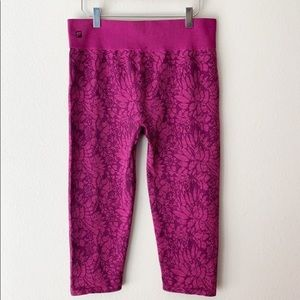 Fabletics Pink Capri Leggings Size Medium